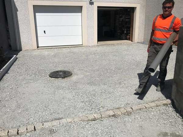 Terrassement d'un puit perdu optimisation des pentes pour évacuation des eaux