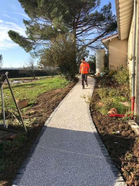 Aménagement chemin accessible PMR (personne à mobilité réduite) stabilisé