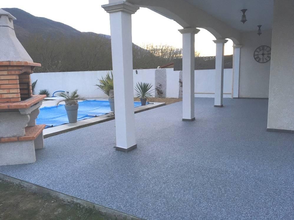 Rénovation d'une terrasse en moquette de pierre,granulat de marbre, résine polyuréthane
